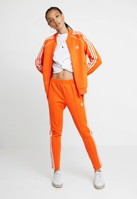 adidas Originals - ADICOLOR 3 STRIPES BOMBER TRACK JACKET - Training jacket - orange - 1