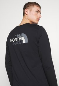 The North Face - MENS EASY TEE - Bluzka z długim rękawem - black/zinc grey - 5