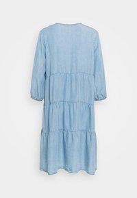 Cream - AMIRA VOLUME DRESS - Denimové šaty - blue denim - 1