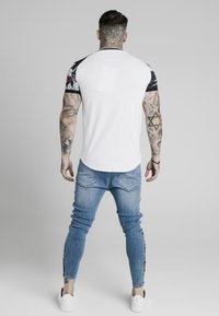 SIKSILK - T-shirt print - white - 2