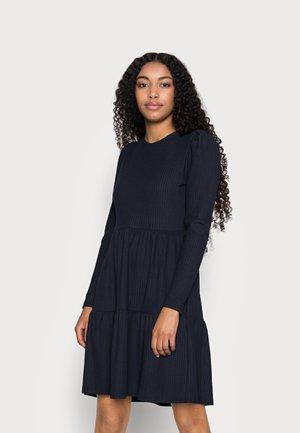 ONLNELLA DRESS PETITE - Strikket kjole - night sky