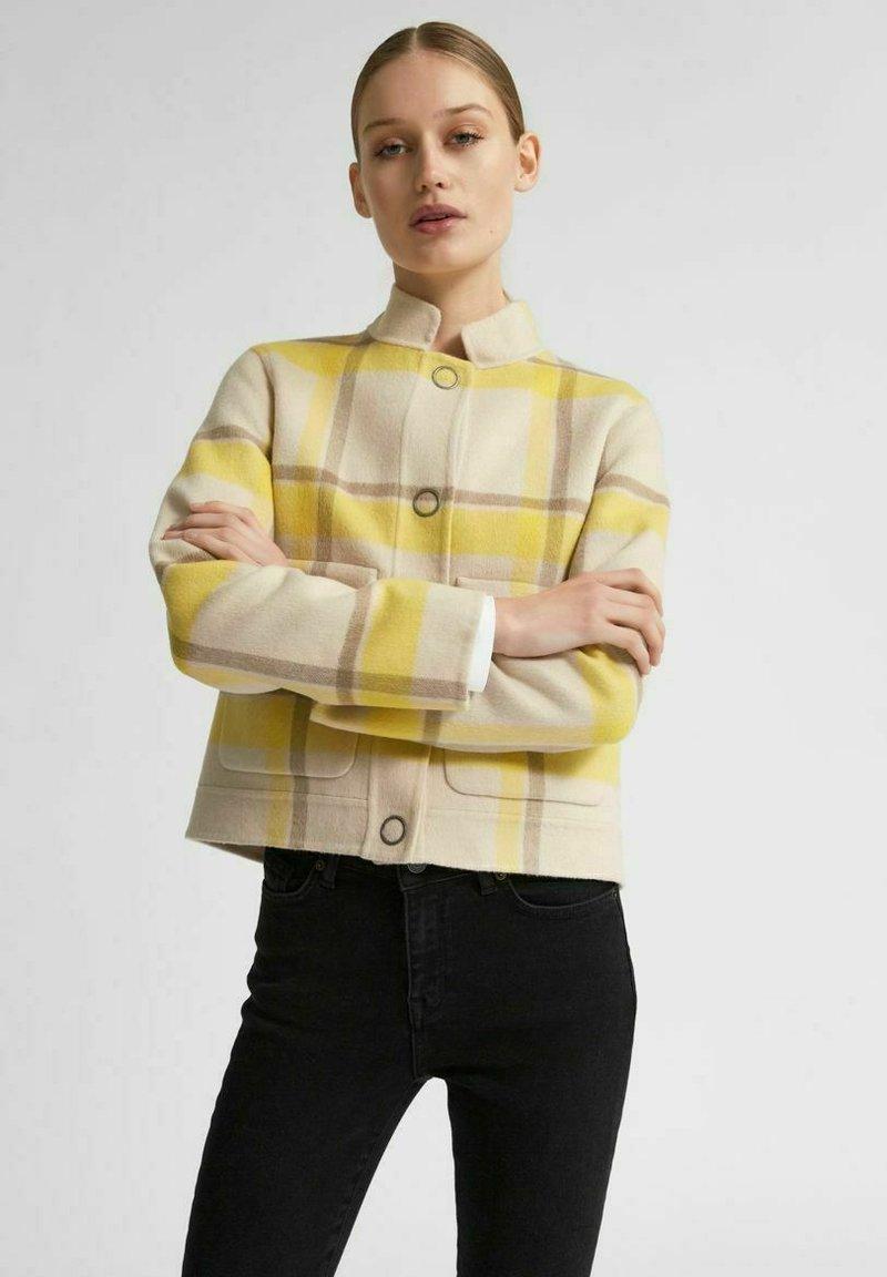 Selected Femme - KURZE - Summer jacket - sandshell