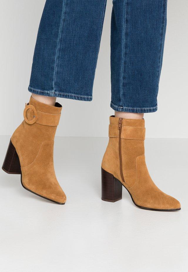 SEVEIRIA - High heeled ankle boots - medium brown