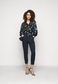 J Brand - ARKIN ZIP ANKLE  - Trousers - night out - 1