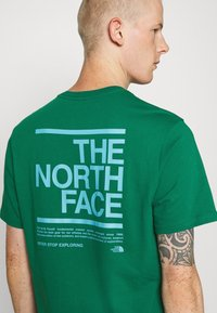 The North Face - MESSAGE TEE - Triko s potiskem - green - 5