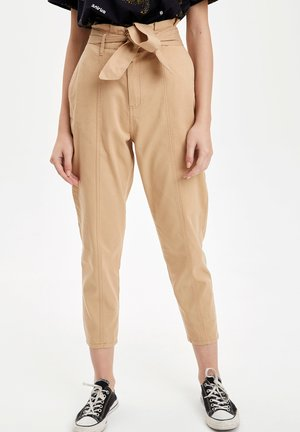 DEFACTO  WOMAN - Chino - beige