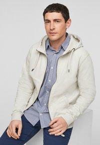 s.Oliver - FELPA - Zip-up sweatshirt - cream - 6