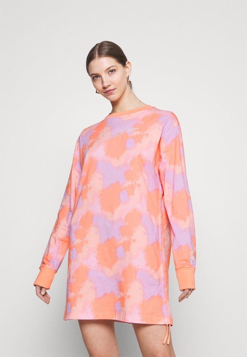 Nike Sportswear - DRESS - Vestido ligero - pink foam