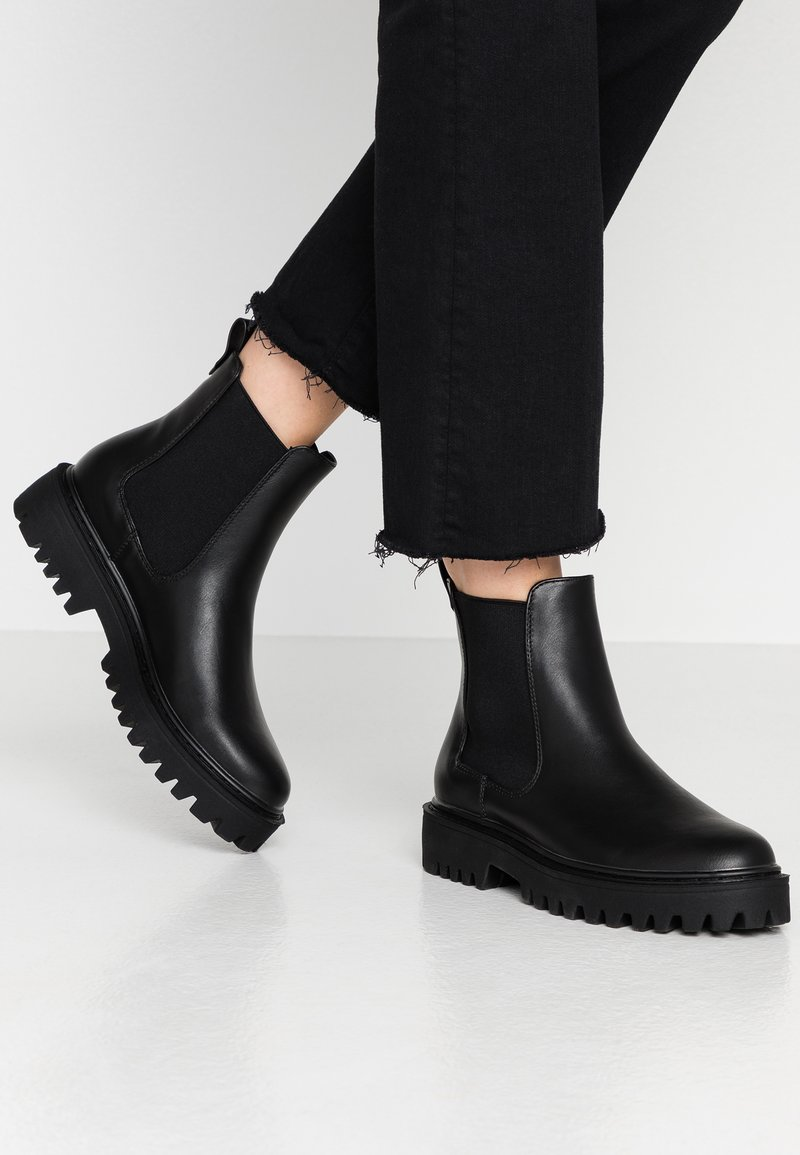 Even&Odd - Kotníkové boty na platformě - black