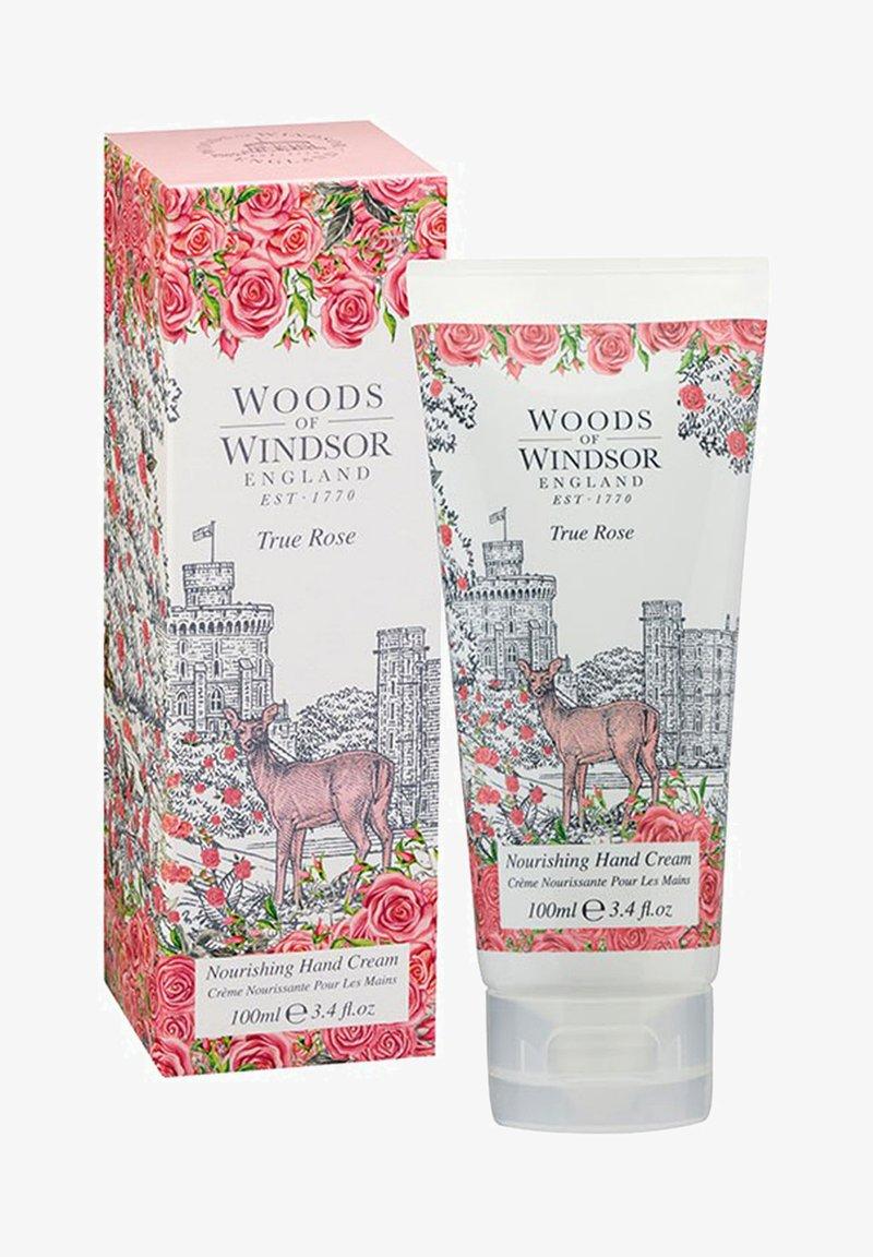 Woods of Windsor - TRUE ROSE PFLEGENDE HAND- UND NAGELCREME 100 ML - Hand cream - weiß