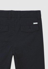 BOSS Kidswear - BERMUDA  - Shorts - navy - 2