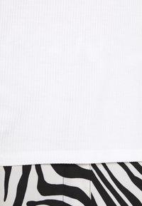 Anna Field - Jednoduché triko - white - 6
