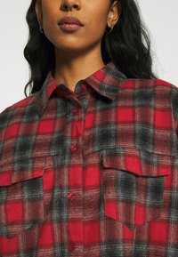 Missguided - BRUSHED OVERSIZED BASIC CHECK  - Button-down blouse - red - 5