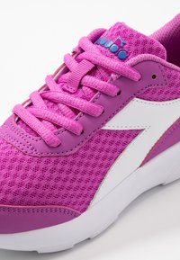 Diadora - EAGLE 3 - Neutral running shoes - purple/white - 2
