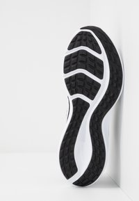 Nike Performance - Zapatillas de running neutras - black/white/anthracite - 4