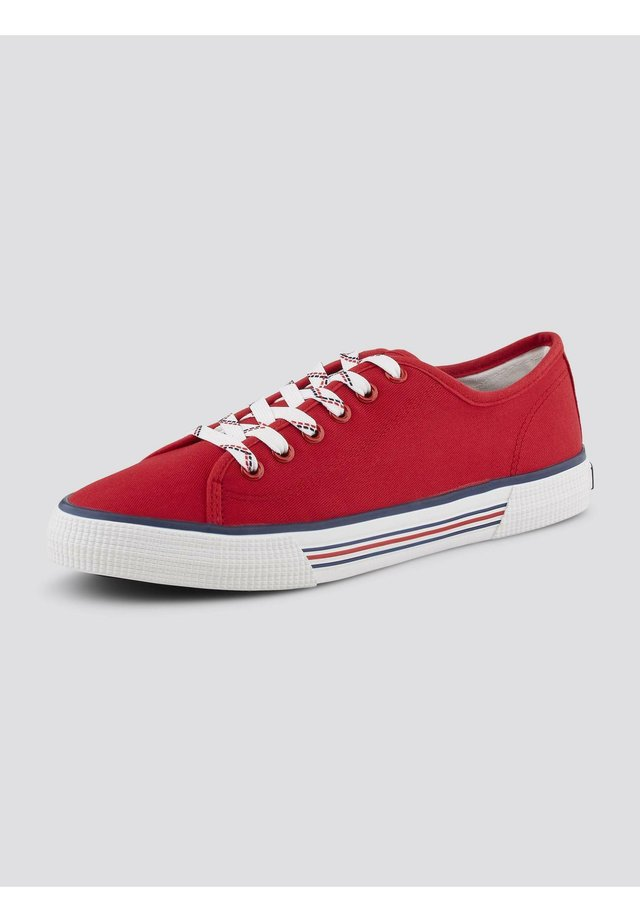 8095305 - Baskets basses - red
