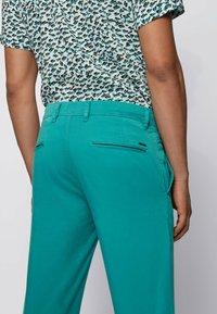 BOSS - SCHINO - Chinos - turquoise - 3