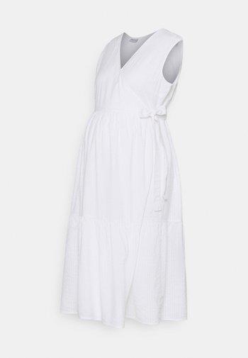 PCMTERETA WRAP DRESS MATERNITY - Sukienka letnia - bright white