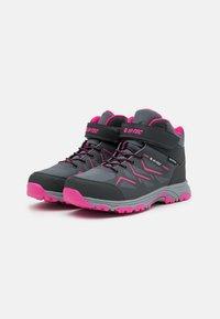 Hi-Tec - TRIO WP UNISEX - Zapatillas de senderismo - mid grey/dark grey/fuchsia - 1
