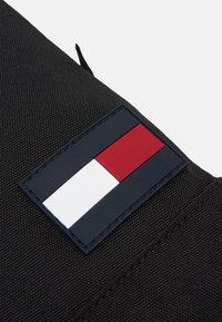 Tommy Hilfiger - CORE COMPACT CROSSOVER - Across body bag - black - 3