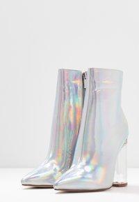 BEBO - ELLIA - Kotníková obuv na vysokém podpatku - silver - 4