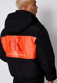 Calvin Klein Jeans - OVERSIZED PUFFER JACKET - Piumino - black - 4