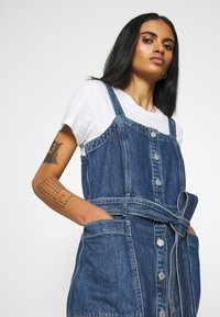 Levi's® - CALLA DRESS - Denim dress - out of the blue - 3