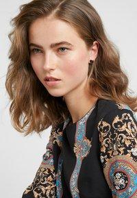 kate spade new york - HERITAGE SPADE SMALL HEART STUDS - Earrings - black - 1