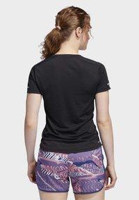 adidas Performance - 3-STRIPES RUN T-SHIRT - Camiseta estampada - black - 1