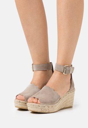 CAPRI - Platform sandals - grau