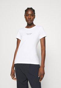 Calvin Klein - SLIM FIT 2 PACK - Triko spotiskem - bright white/mid grey heather - 2