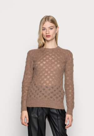 TUESDAY POINTELLE PULLOVER - Sweter - brownie