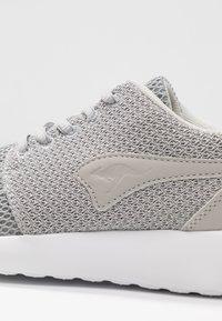 KangaROOS - MUMPY - Sneakers - vapor grey - 2