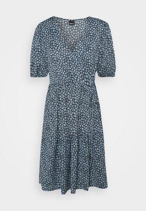 TUVA DRESS - Jerseykjole - blue/black