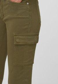 Marc O'Polo - LULEA SLIM MID WAIST  - Slim fit jeans - dark green - 3