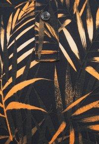 Michael Kors - LEAF PRINTED - Polo shirt - dark blue - 2