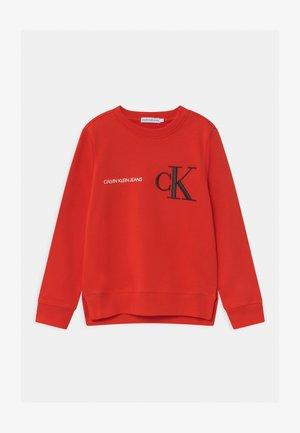 RAISED MONOGRAM - Sweatshirt - red