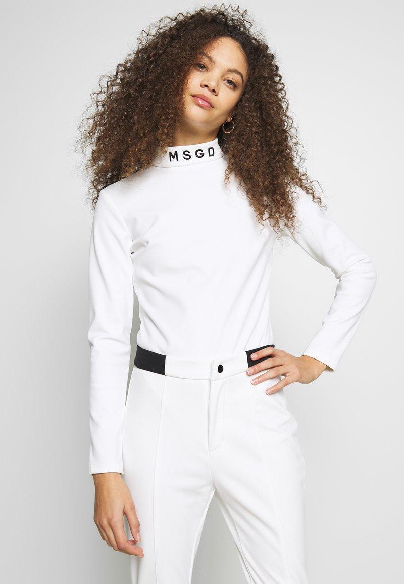 Missguided Petite - SKI BODY SUIT - Camiseta de manga larga - white