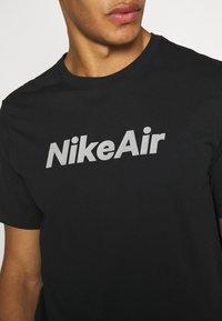 Nike Sportswear - TEE AIR - Triko spotiskem - black - 5