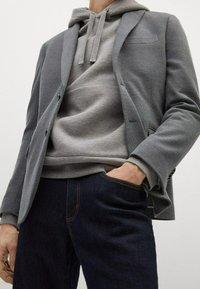 Mango - Blazer jacket - šedá - 5