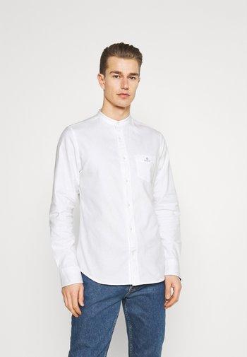 SLIM BRUSHED BAND COLLAR - Skjorta - white