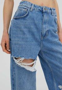 PULL&BEAR - Jeans Straight Leg - stone blue denim - 4