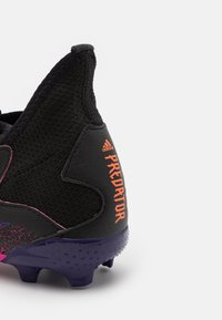 adidas Performance - PREDATOR FREAK .3 FG UNISEX - Moulded stud football boots - core black/footwear white/shock pink - 5