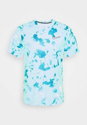 DRY VICTORY  - Print T-shirt - copa/white