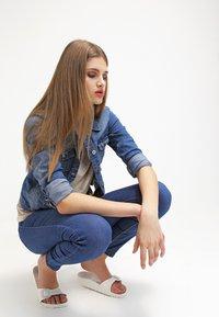 ONLY - ONLNEW WESTA - Denim jacket - medium blue denim - 3