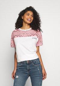 River Island - T-shirt z nadrukiem - white - 0