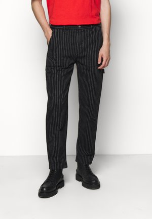 PAINTER MAN PANT - Kalhoty - black