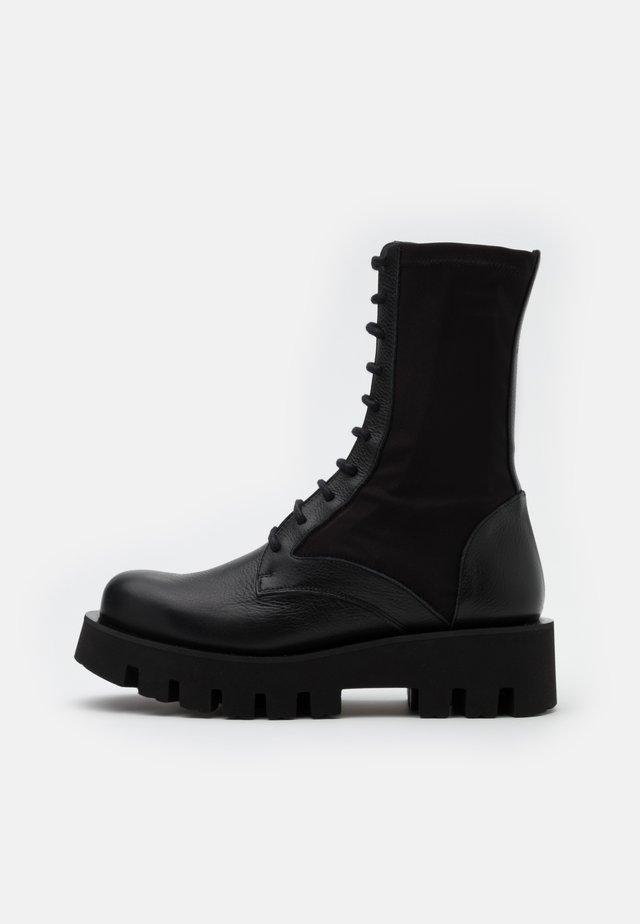 PORTO - Plateaustøvler - omega black