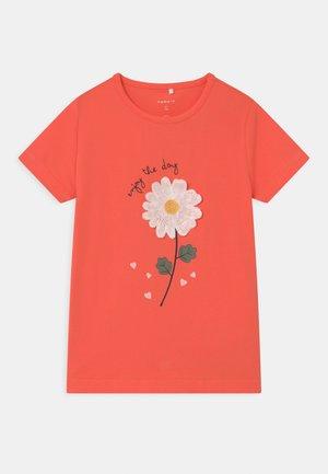 NMFDARUNA - T-shirts print - persimmon