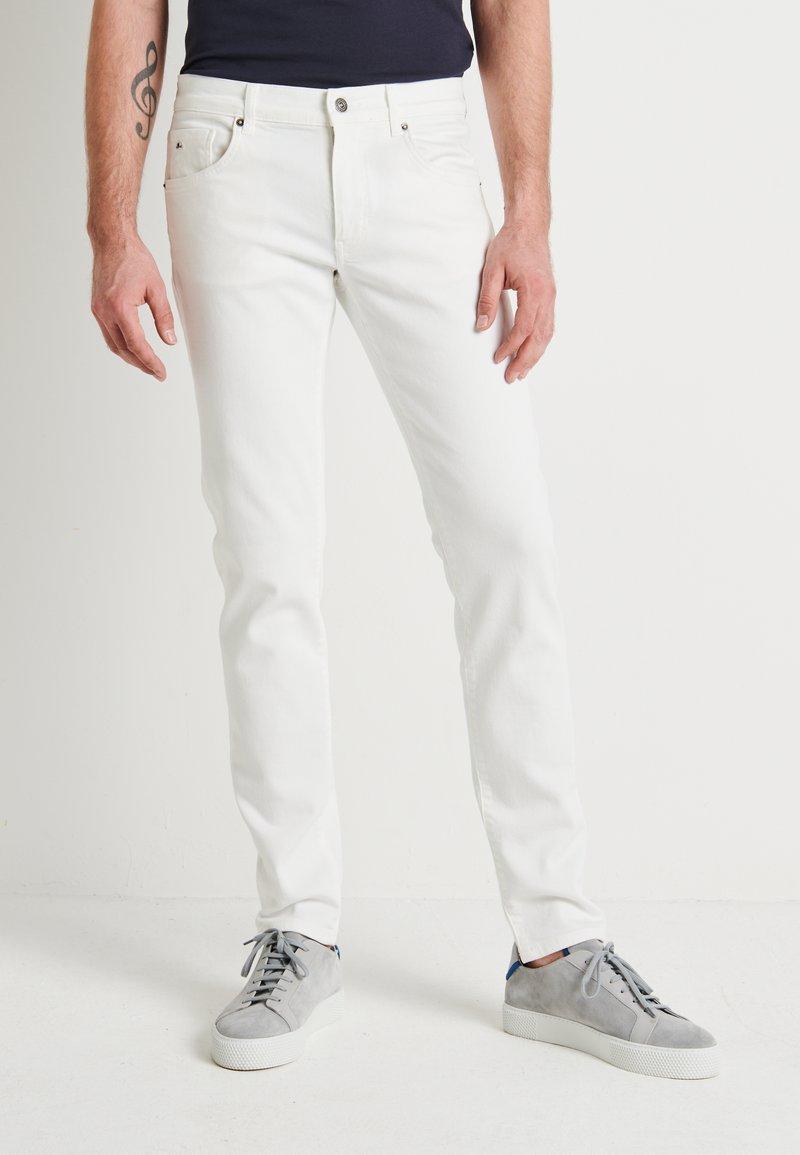 J.LINDEBERG - JAY SOLID - Jeans slim fit - cloud white